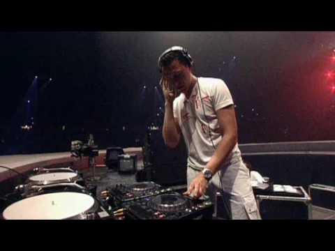 Tiesto - Tell Me Why - Live At Sensation White