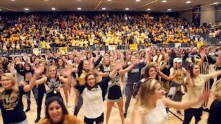 High School Makes Epic 12 Song Lip Sync Video with 2,000 Students(Broken Arrow High School brought together students, teachers and faculty for an epic 12 minute long lip sync video that took three weeks to film. Over 2000 ..., 2015-11-25T21:26:15.000Z)