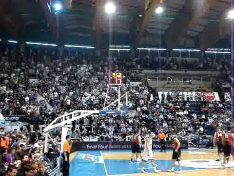 Partizan - Lietuvos 6-1-2010: Partizan Fans and beautiful ... Jan Vesely Dunk