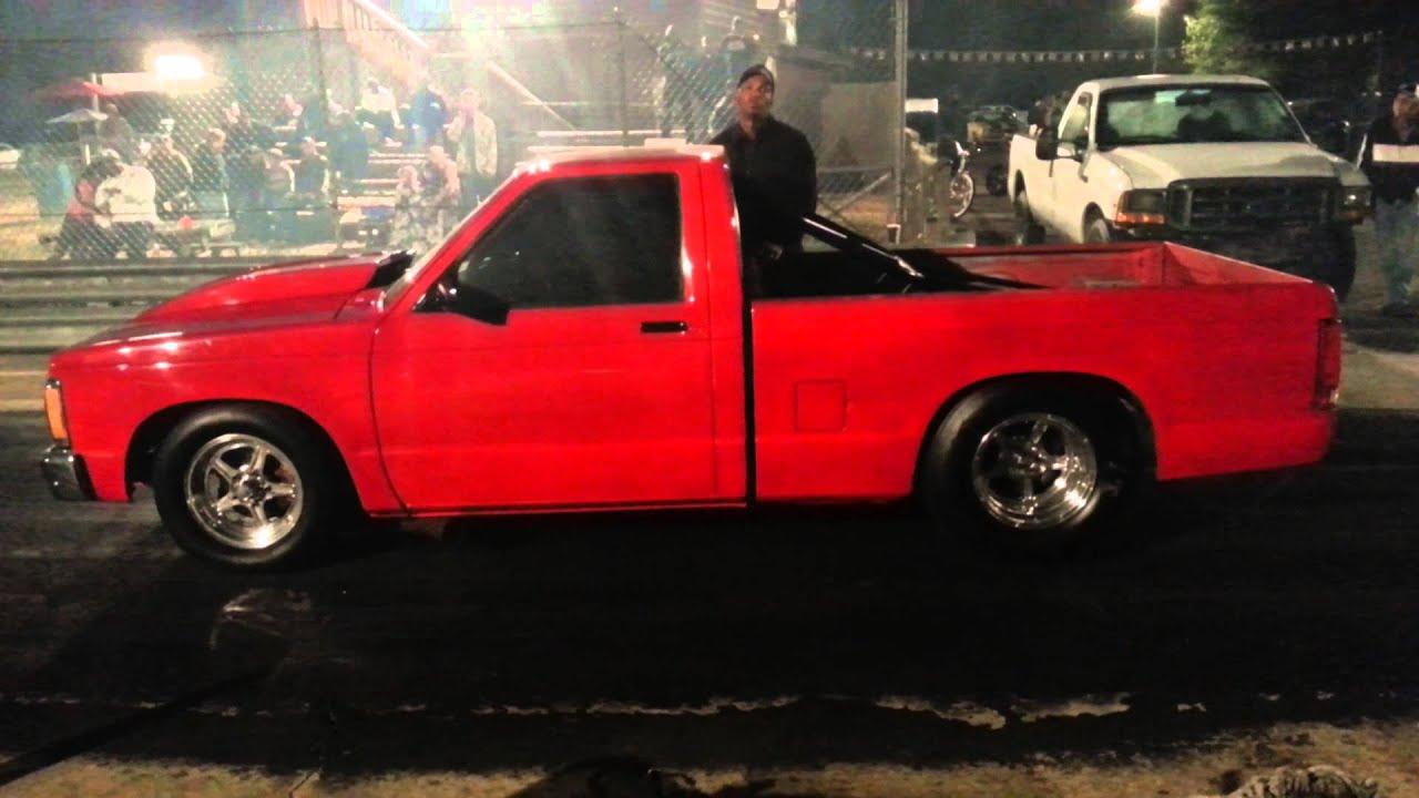 Black Mustang Vs Red S10 Byram Drag Way Youtube