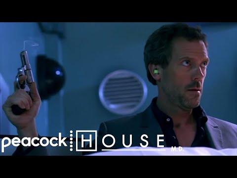 House Shoots A Corpse | House M.D.
