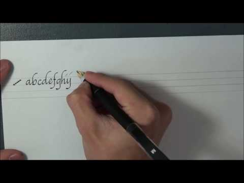 Italic Script: The Minuscules by Sungwon Kim