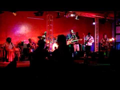 Souleymane Faye - La Clé / Thiabi bi - Live at Just4U Dakar