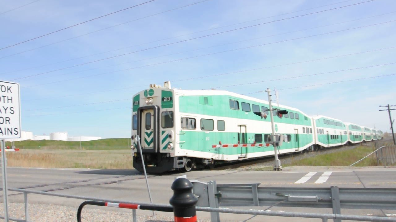 Go train barrie line