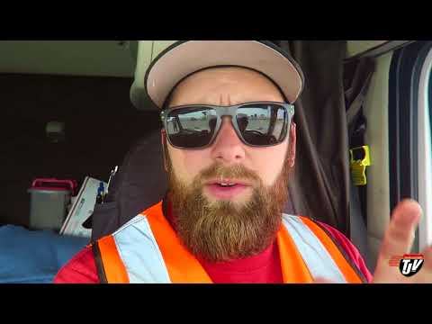 My Trucking Life - LOST MY LOAD... AND MY TARPS - #1411