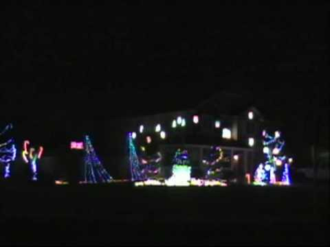 Cadger Christmas Light Show 2009 - Linus and Lucy - YouTube