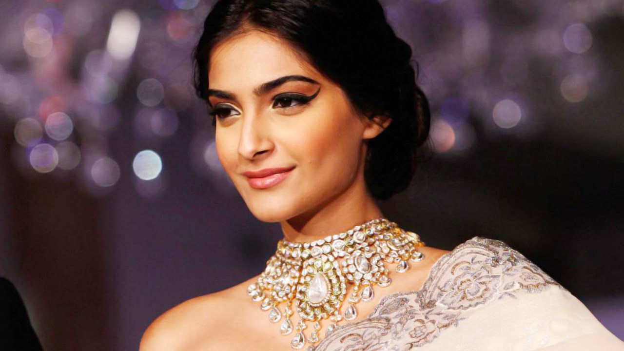 sonam kapoor replaces aishwarya rai bachchan as kalyan jewellers