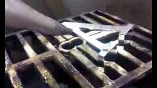 Нанесение зеркальных покрытий на объемные буквы(Нанесение зеркальных металлизированных покрытий на объемные буквы из пластика. Возможность выбора цвета..., 2013-10-28T11:41:17.000Z)