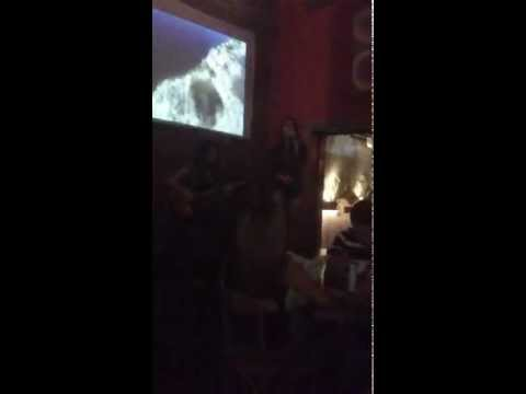 Helo canta no Didge.mp4