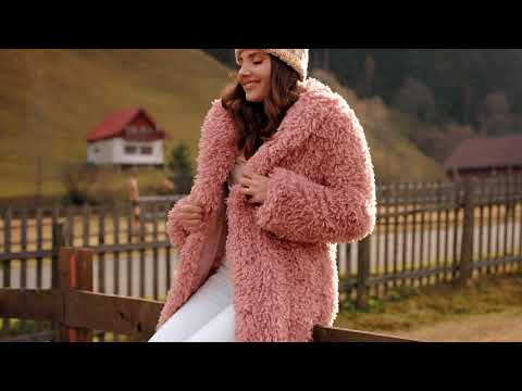 Larisa for Chicwish in Romania