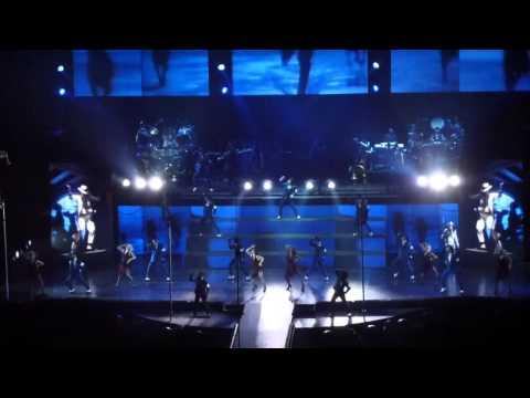 Michael Jackson - The Immortal World Tour - Smooth Criminal - Koln