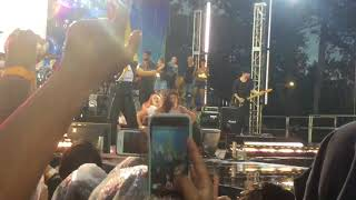 Demi Lovato Good Morning America 2017 - Sorry Not Sorry