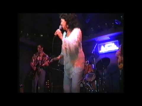 Rockabilly fever Wanda Jackson & Los Solitarios