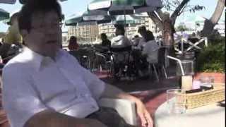 「日本のわんちゃんブーム」と「サプサル犬」についてインタビューする...