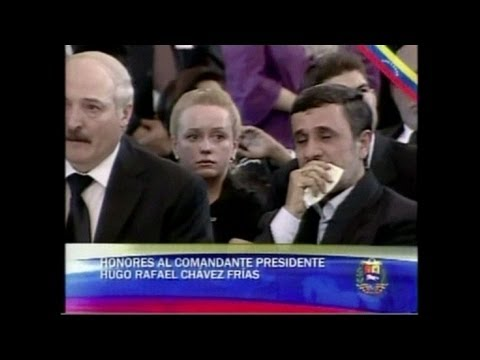 Ahmadinejad chora por Chávez