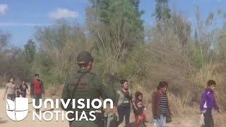 Así es el momento en el que agentes descubren a un grupo de inmigrantes pasando la frontera
