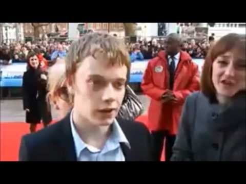 Lily Allen snatches Alfie Allen away from interview - with p