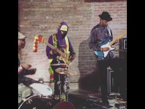 MonoNeon, Daru Jones & Marcus Machado... play Slum Village