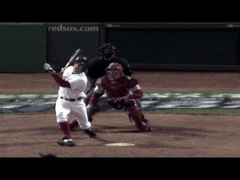 2004 WS Gm1: Bellhorn's two-run homer breaks tie