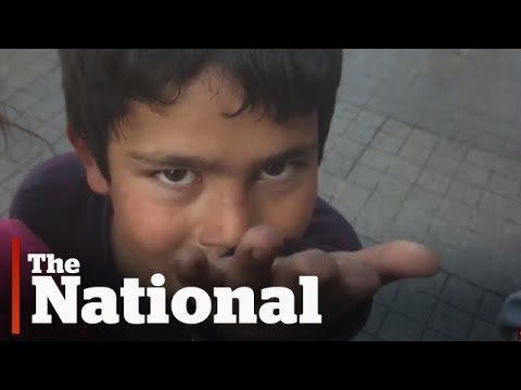 Syrian Refugee Children Begging on Istanbul\'s Streets (Excerpt)