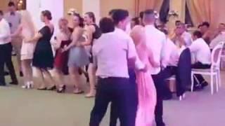 Penguin dancing (Vallja e pinguinit) 😂