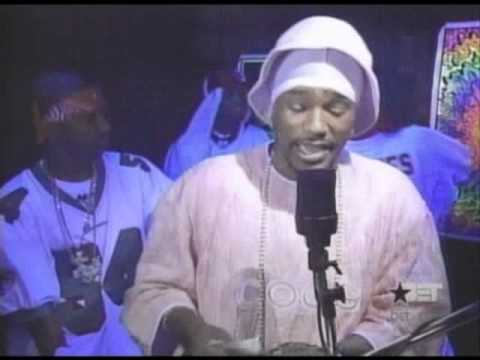 Cam'ron performs powerful freestyle while counting a stack