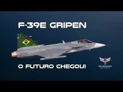 Primeiro caça desenvolvido pela parceria Brasil-Escócia chega ao país!