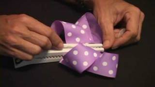 How to Tie a Perky Hair Bow - Gator-Bite