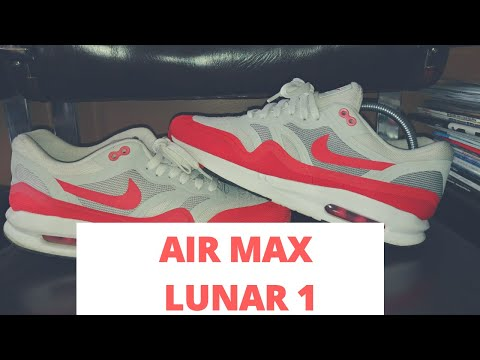 Cleaning a pair of Nike Air Max Lunar One's.