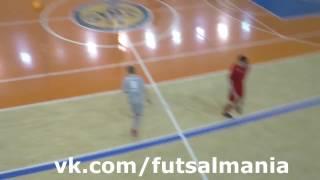 Голазо через себя - футзал мини-футбол futsal skills goal tricks(Больше интересных фото и видео о футболе, футзале и пляжном футболе вы найдете в нашей группе - vk.com/futsalmania..., 2017-03-03T10:03:56.000Z)