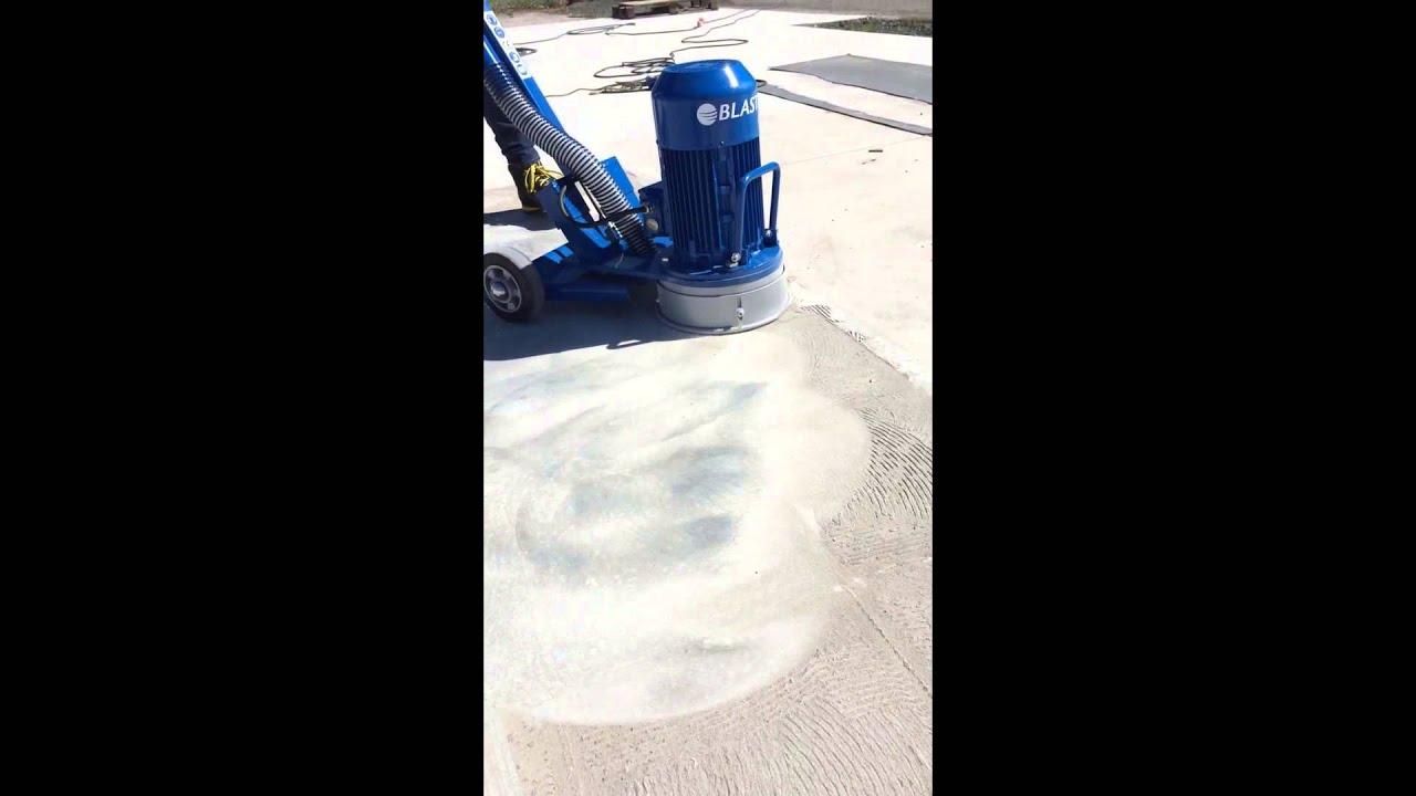 Enlever de la colle a carrelage avec une rectifieuse de sol dumatos youtube - Enlever colle carrelage ...