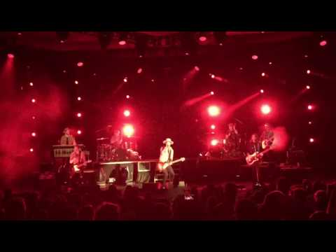 NEEDTOBREATHE - Back in My Arms, Hard to Handle, Lay 'em Down medley