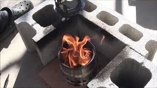 ピスタチオの殻を燃料にしてみた。 熾火状態にしたいのに、煙が無くなら...