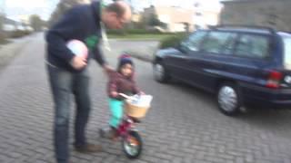 M4H09794 Andreita op de fiets.