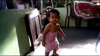 Download Video DIVA CEBOL MP3 3GP MP4