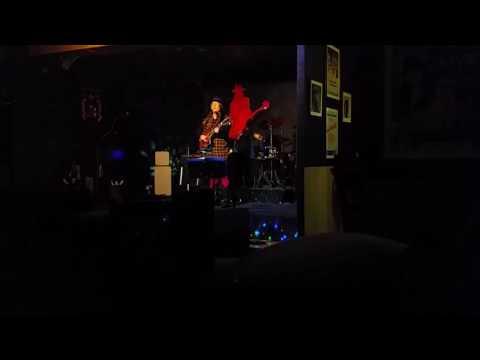 Freddie Aguilar singing Ang Bayan Ko at Ka Freddie's Bar Quezon City