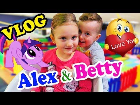 VLOG Alex si Betty se Distreaza la MAXIM Intalnire cu BettyL Club