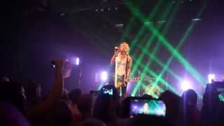 "Marianas Trench ""Who Do You Love"" NEW SONG - First Performance MN"