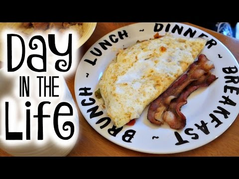 LIFE OF A FIT COLLEGE STUDENT | Time Management, Meals & More