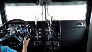 Kenworth W900L - 3 Stick Shifting
