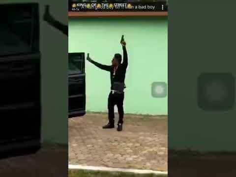 SHATTA WALE POINT GUN TO WIZKID  , TIMAYA AND OTHER NIGERIA ARTIST AND CALL IT A WAR