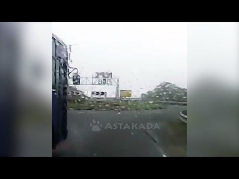 Владивосток ДТП Автобус 5 августа Остров Русский Astakada