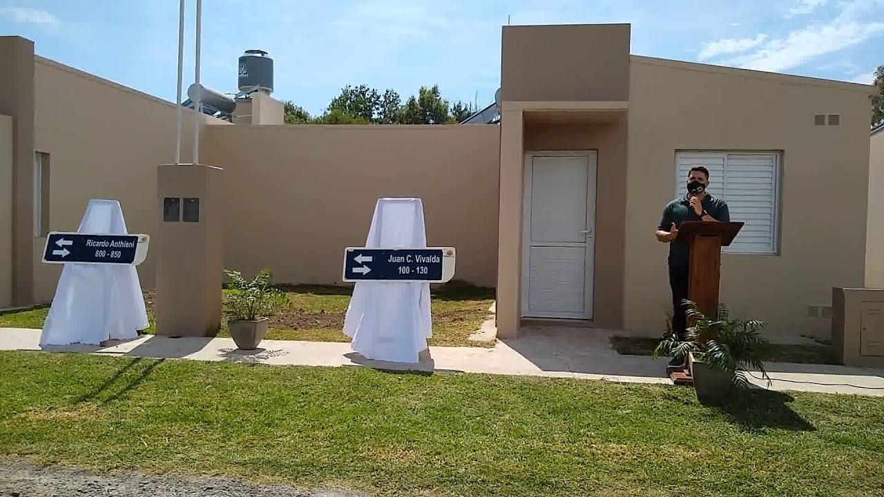 """Walker: Se entregaron las viviendas del """"Barrio Solar"""""""