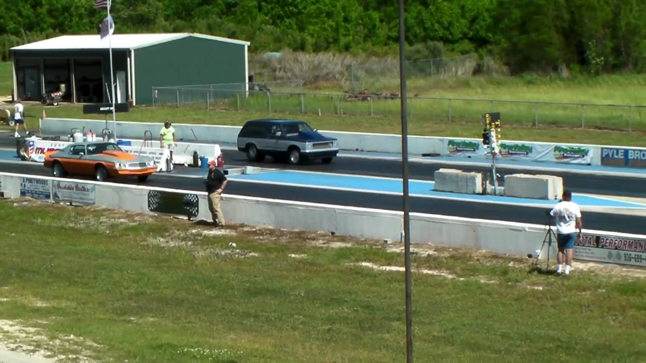 Drag Race Pine Valley - YouTube
