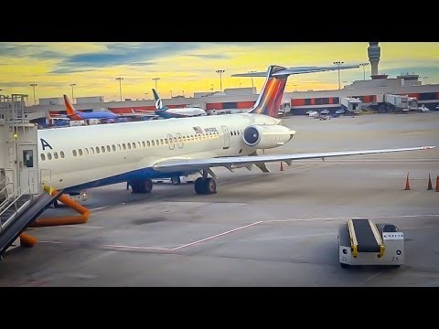 DELTA AIRLINES MD-88 / Atlanta to Charlotte