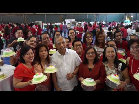 DOE Sec. Alfonso Cusi with Employees and their Birthday Cakes