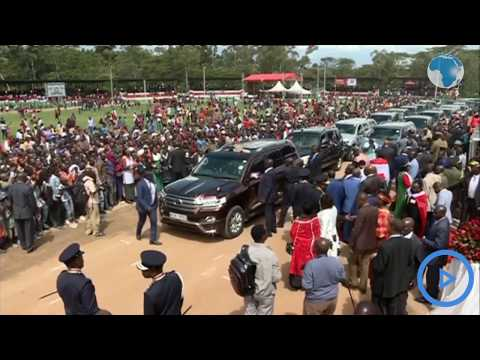 Raila leaves the crowd at Narok Stadium in a frenzy as he waves goodbye