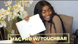 """UNBOXING MY NEW 2019 13"""" SILVER MacBook Pro w/ TouchBar !!! I love it so much"""
