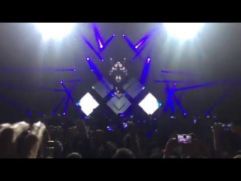 KYGO @ Cloud Nine Tour Barcelona - Intro + Younger (KYGO Remix)