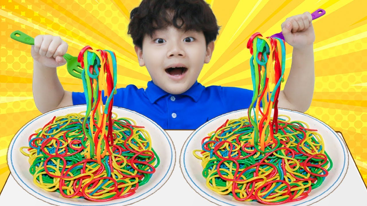 Sammy Pretend Play with Colored Noodles Play Doh Food Toys to Johny Johny Yes Papa